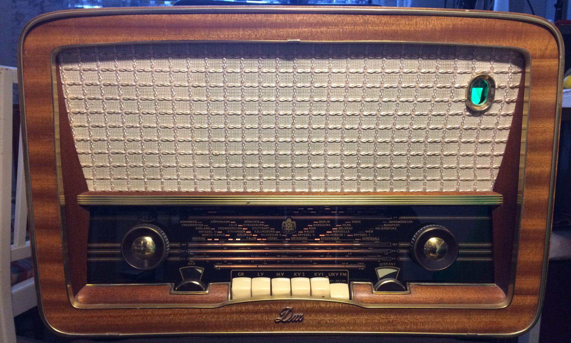 RetroRadio Service